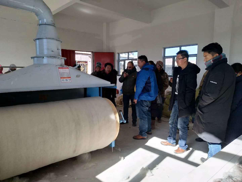 当地是羊毛产地,想加工羊毛被需要哪些机器?