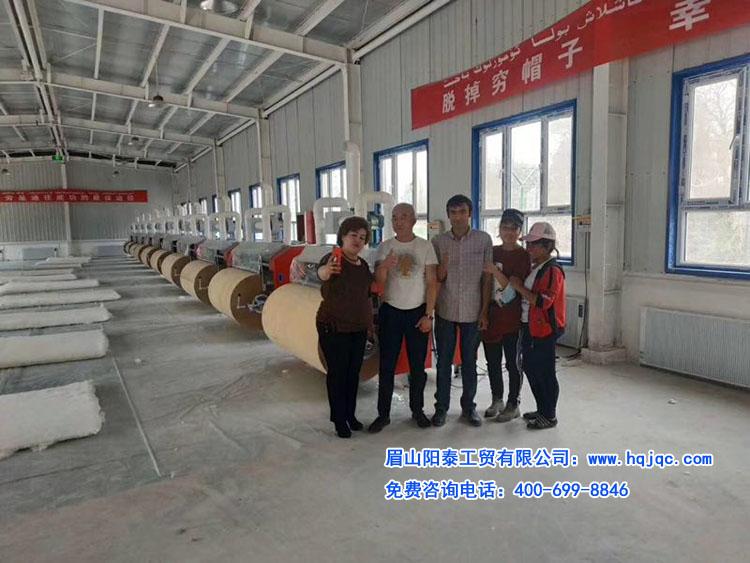 好机器,政府都认可,扶贫项目:新疆10台精细弹花机安装完毕